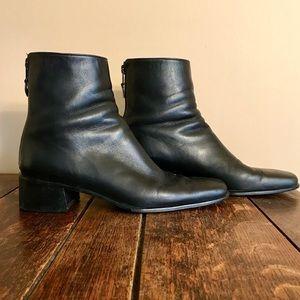 Stuart Weiztman Black Short Booties Size 8 1/2 AA